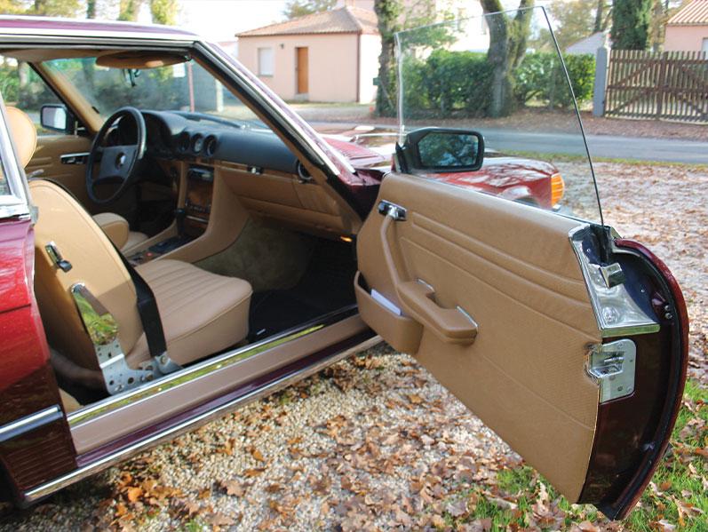Mercedes 380 SL : intérieur